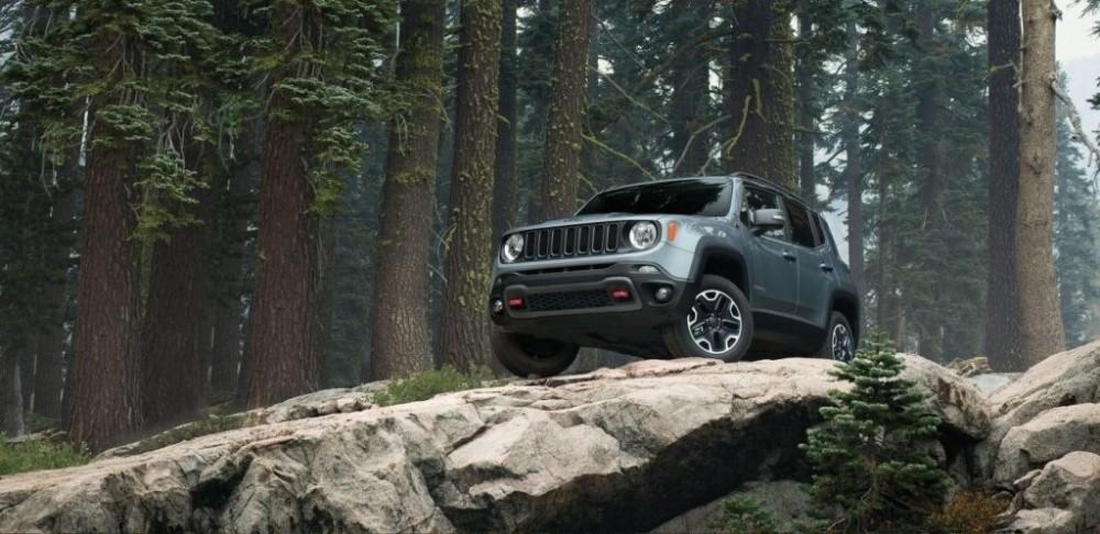 2017-Jeep-Renegade-Gallery-Trailhawk-Glacier-Metallic.jpg.image_.1440-1024x498