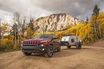 Jeep Cherokee - Carreta Camping