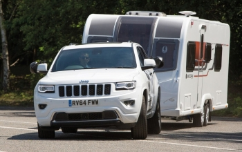 Jeep Grand Cherokee - Trailer