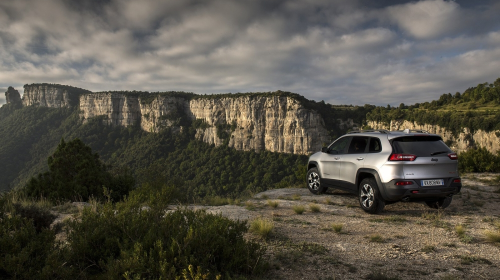 2014_jeep_cherokee_eu-version_46_1600x1200