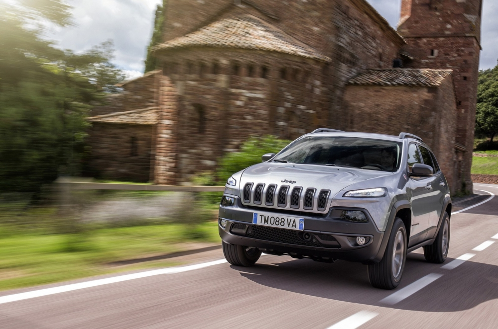 2014_jeep_cherokee_eu-version_50_1600x1200