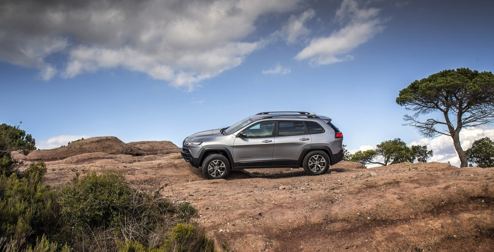 2014_jeep_cherokee_eu-version_52_1600x1200
